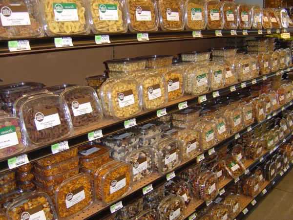 Photo of grocery store aisle with pre-packaged bulk foods
