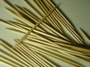 close up photo of toothpicks