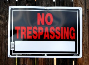 Free photo of no trespassing sign