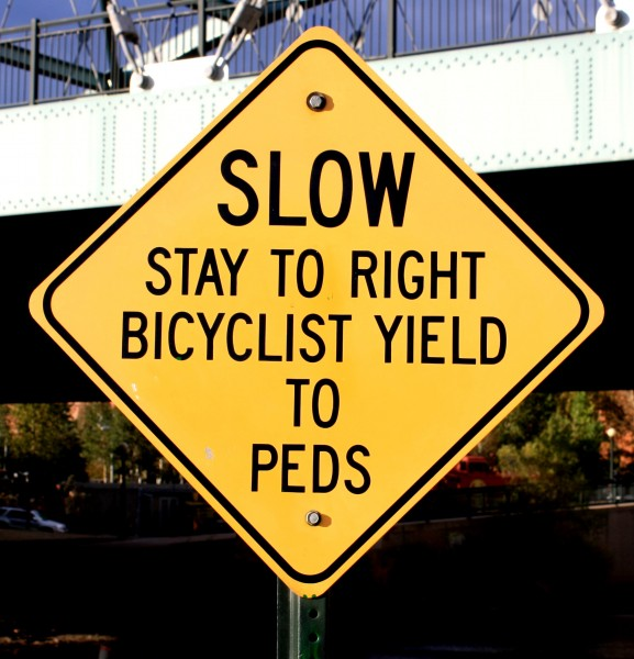 Slow bicyclist yield to peds sign - free high resolution photo