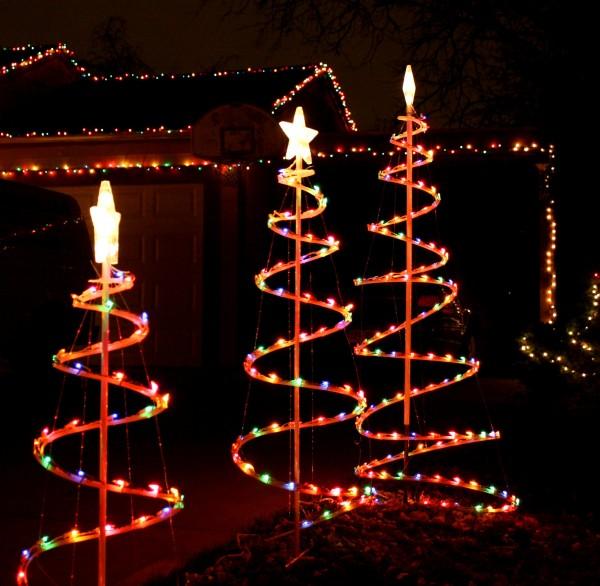 three spiral Christmas trees - free high resolution photo