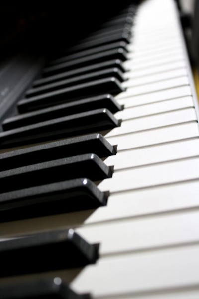 Electronic Piano Keyboard - Free High Resolution Photo