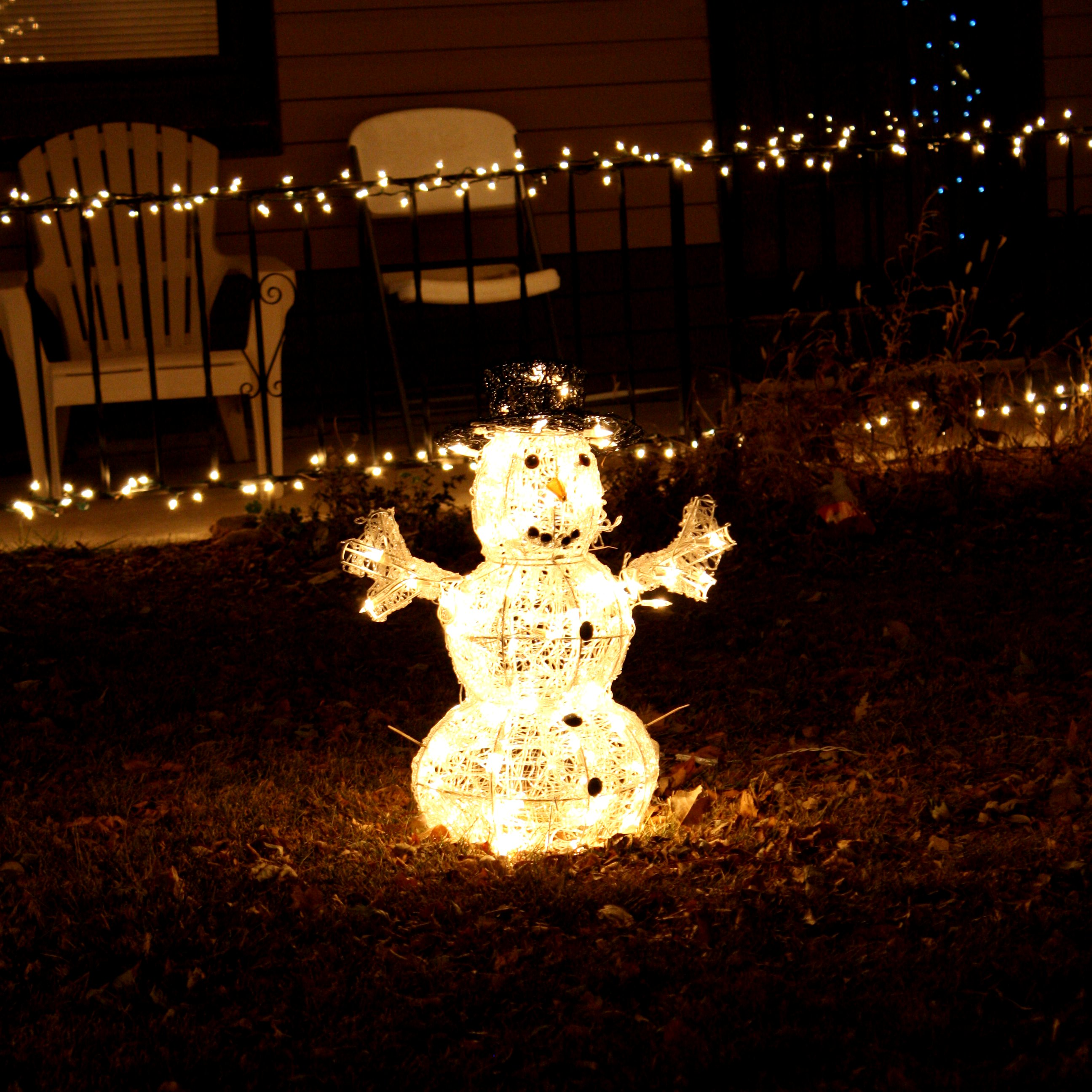 Snowman white christmas lights picture free photograph for Christmas lights and decorations