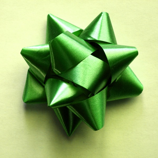 Green Bow on Yellow Wrapping Paper - Free High Resolution Photo