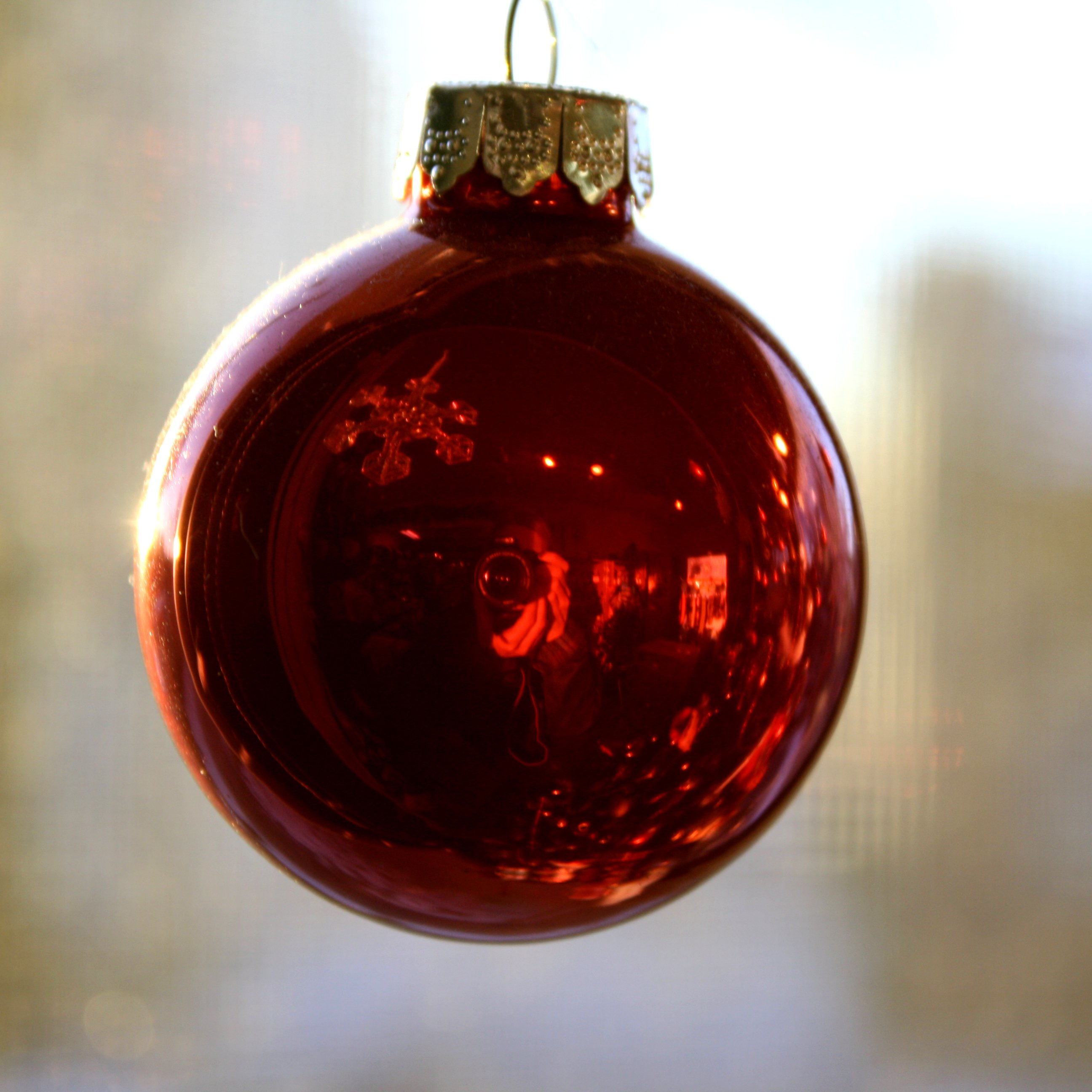 Red christmas ball ornament picture free photograph