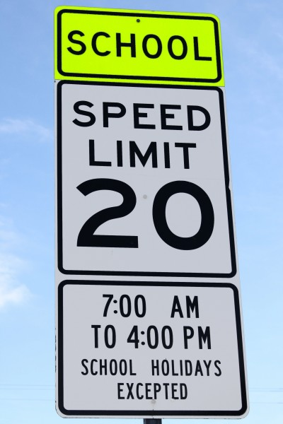 School Speed Limit 20 Sign - Free High Resolution Photo