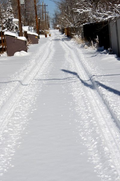 Snowy Alley - Free High Resolution Photo