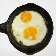 fried-eggs-sunny-side-up-in-cast-iron-skillet-thumbnail