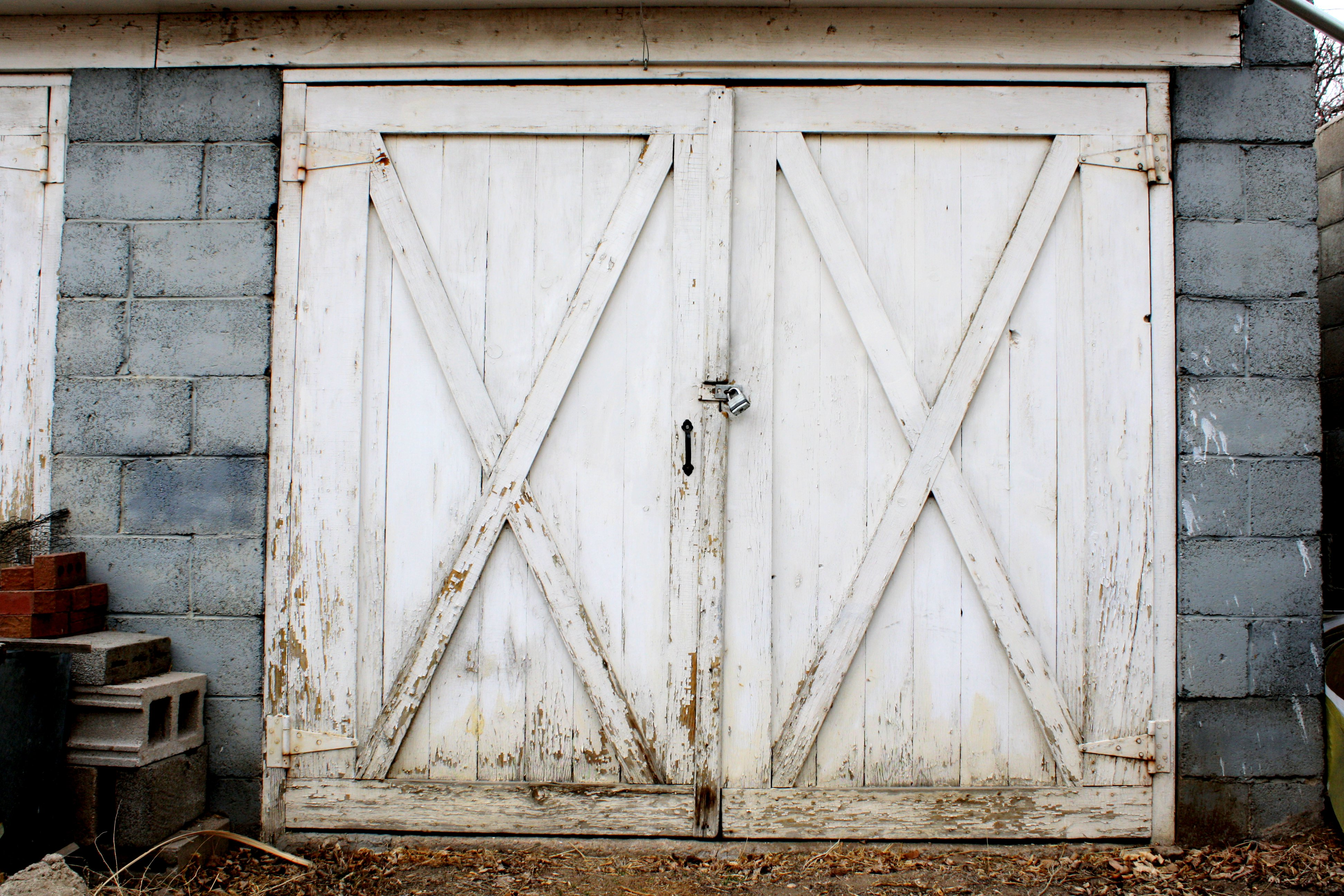 Old Garage or Carriage House Door Picture | Free Photograph ...