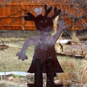 waving-girl-rusted-metal-yard-sculpture-thumbnail