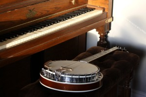 Piano and Banjo - Free High Resolution Photo