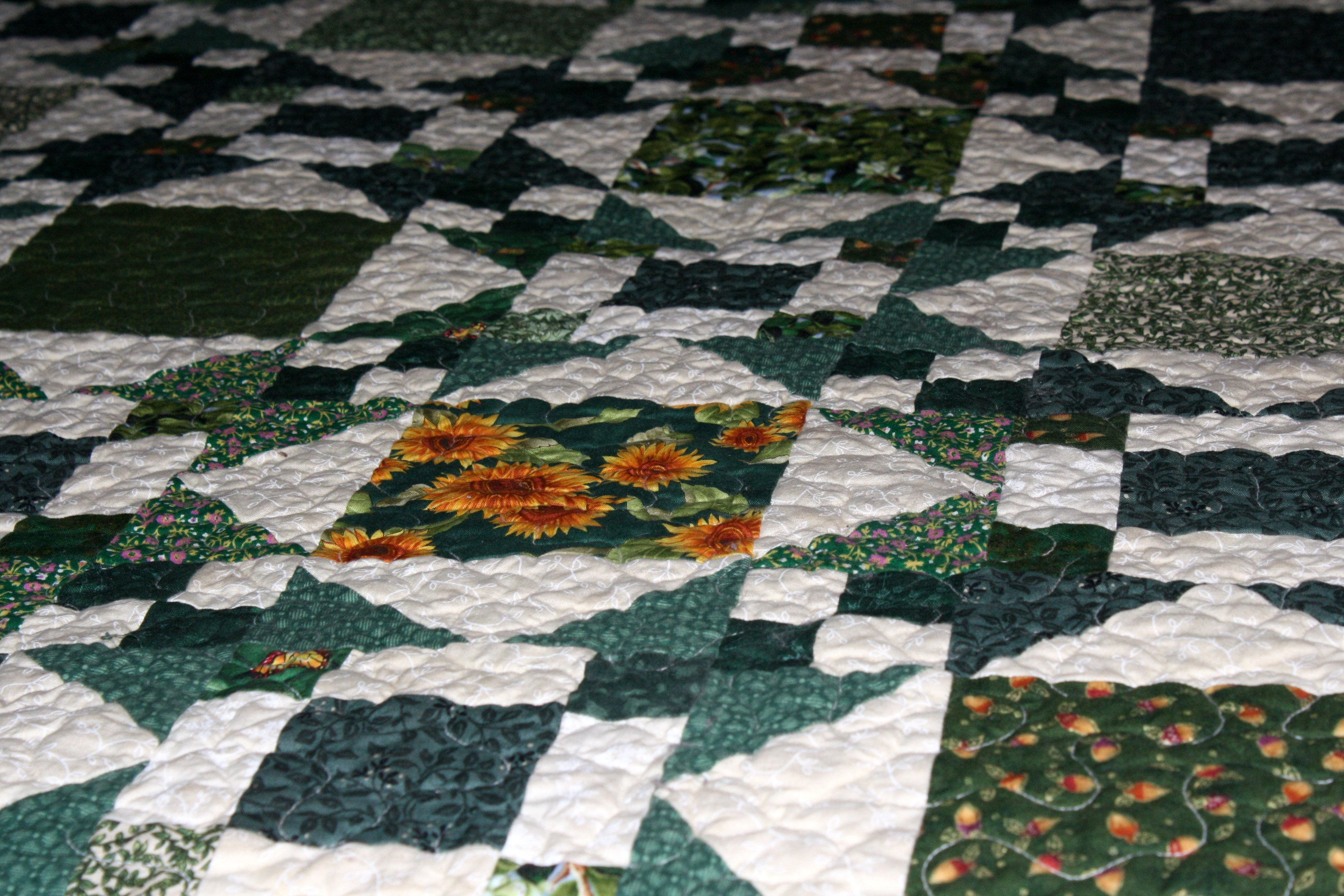Green and White Quilt Picture Free Photograph Photos Public Domain