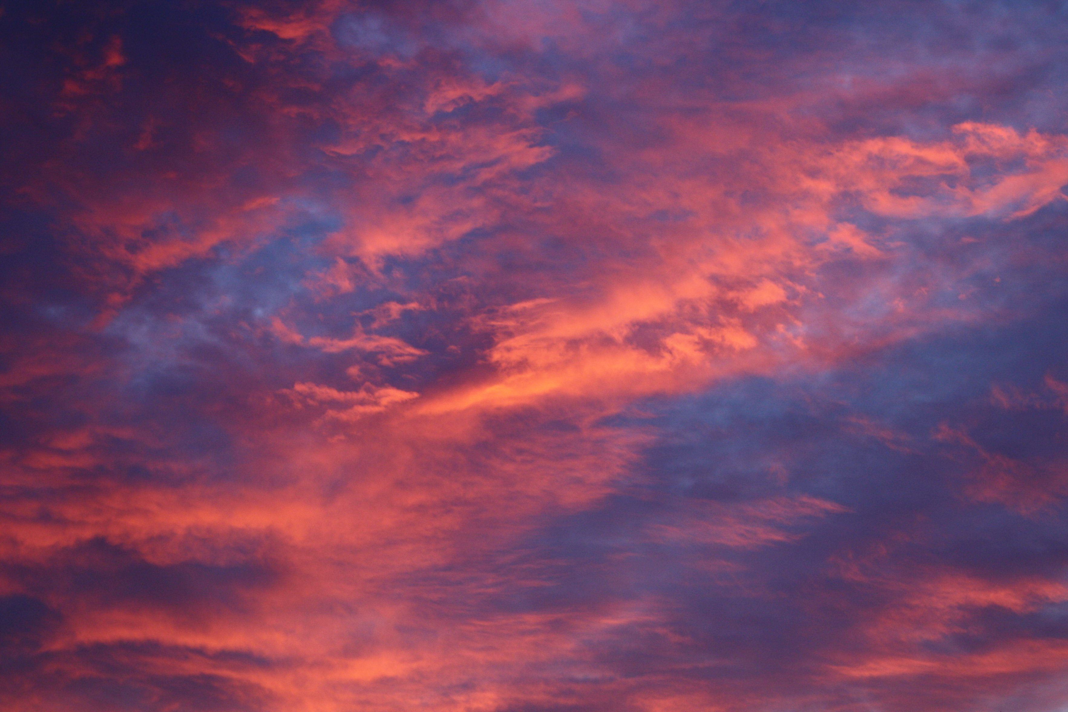 Red Clouds at Sunrise Free High Resolution Photo Dimensions: 3700