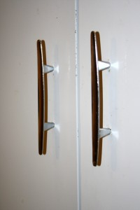 Silver Handles on White Metal Cabinet - Free High Resolution Photo