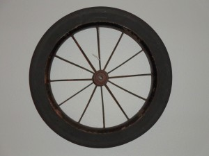 Wagon Wheel Decoration Hung on Wall - Free High Resolution Photo