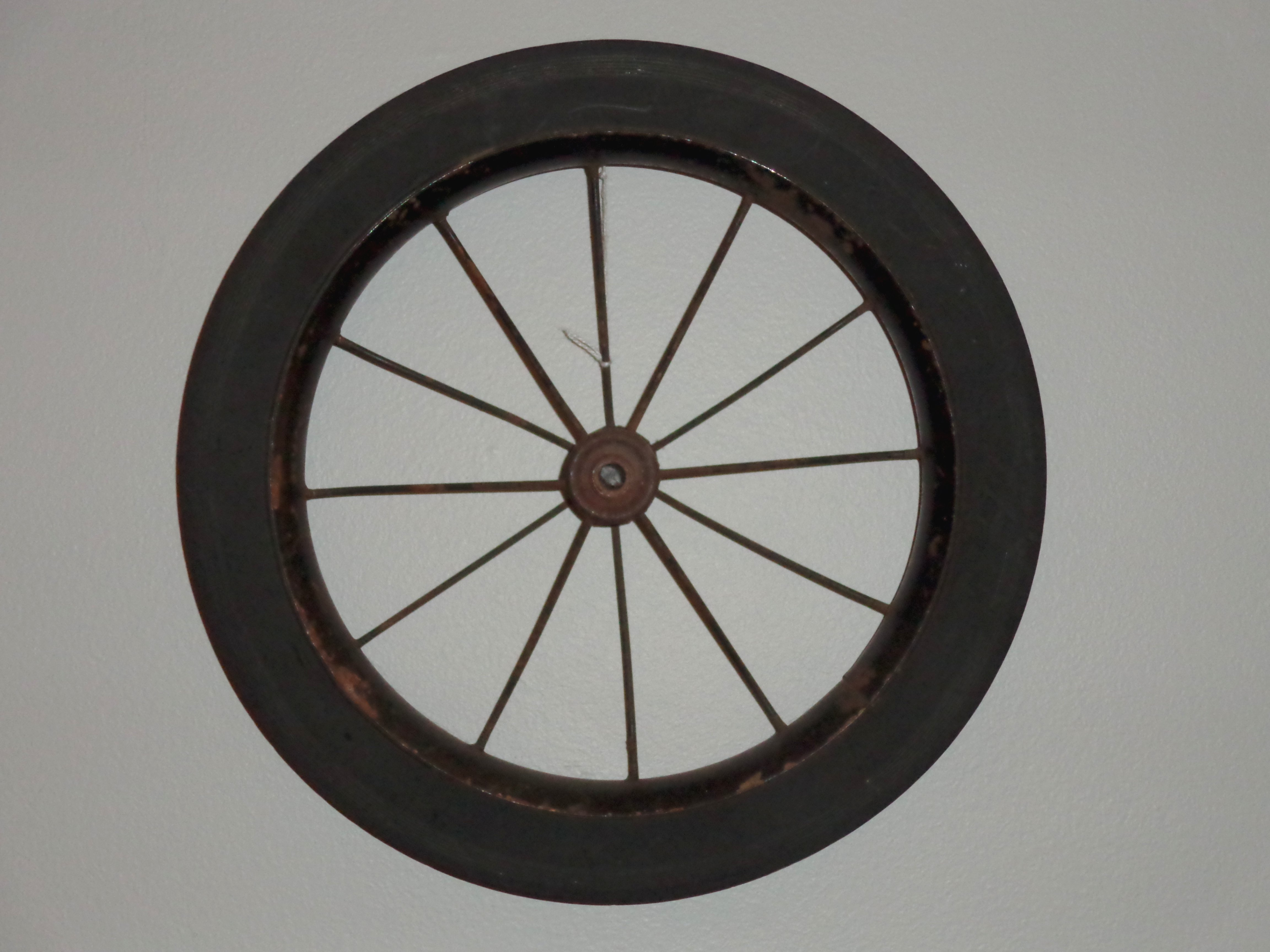Wagon Wheel Decoration Hung On Wall Picture Free