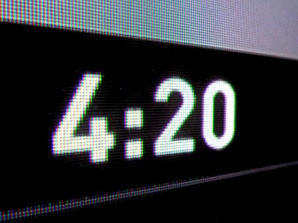 4:20 - Digital Time Display Reading Twenty Minutes past Four O'Clock - Free High Resolution Photo