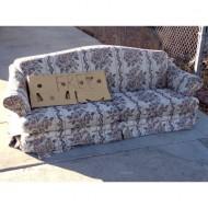 free-sofa-in-driveway-thumbnail
