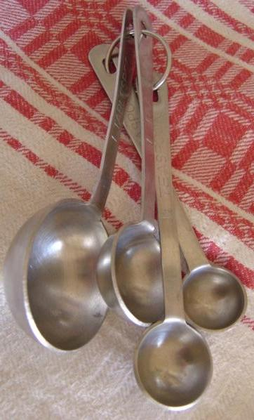 photo of kitchen measuring spoons