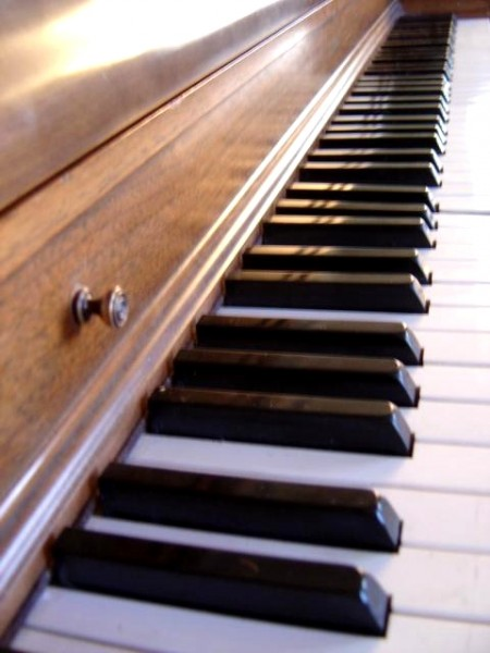 photo of piano keyboard