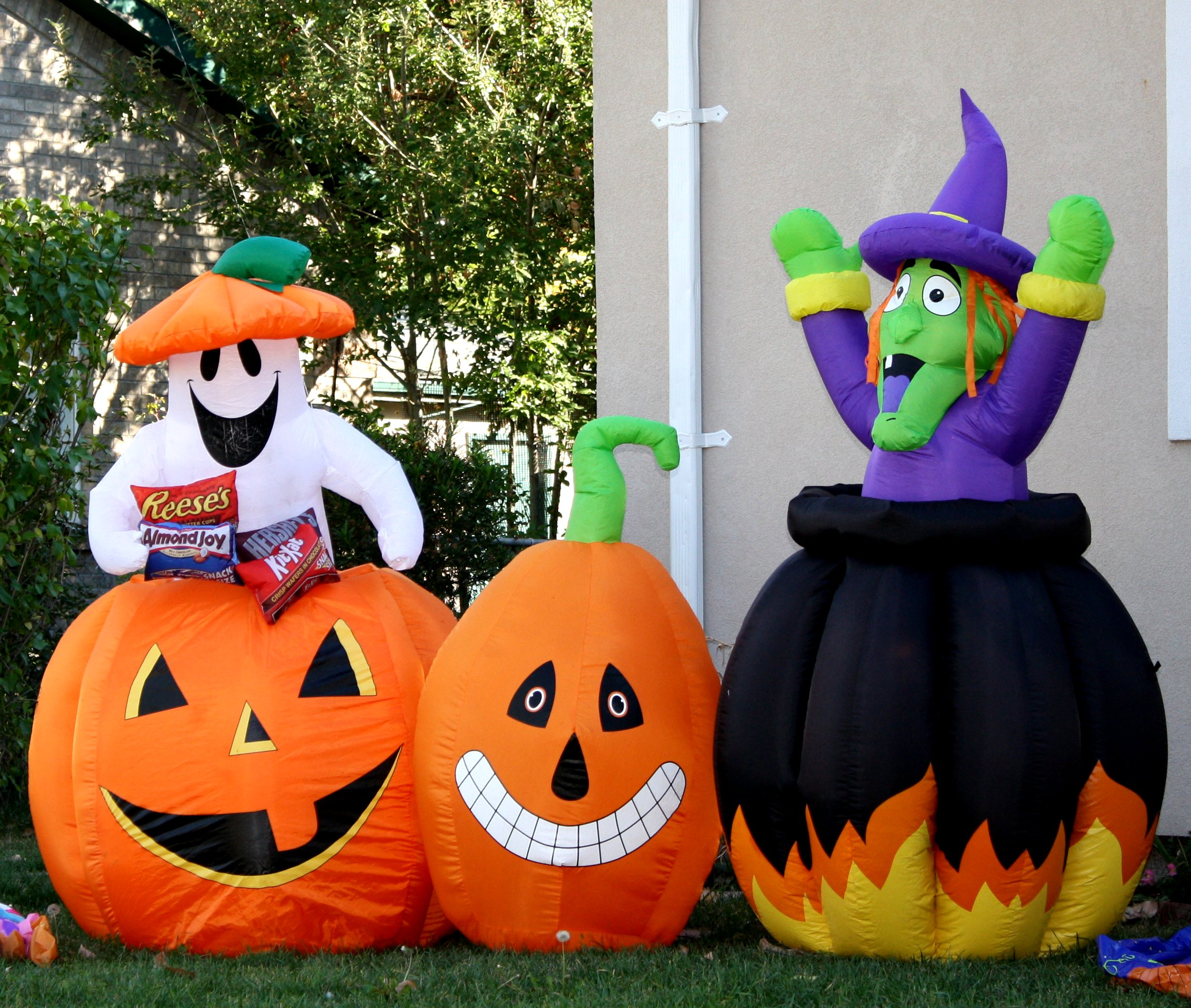 Halloween Yard Decorations Picture Free Photograph