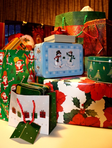 Christmas gift packages - free high resolution photo