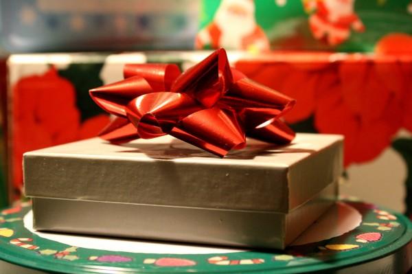 Christmas present - free high resolution photo