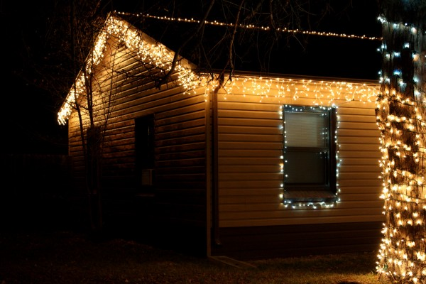 house with icicle Christmas lights - free high resolution photo