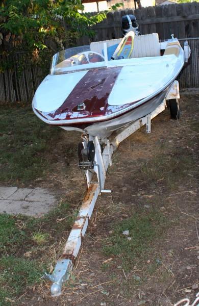 Motorboat in Backyard - Free High Resolution Photo