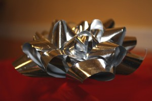 Silver Metallic Mylar Bow - Free High Resolution Photo