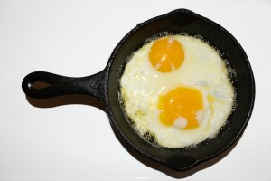 Fried Eggs Sunny Side Up in Cast Iron Skillet - Free High Resolution Photo