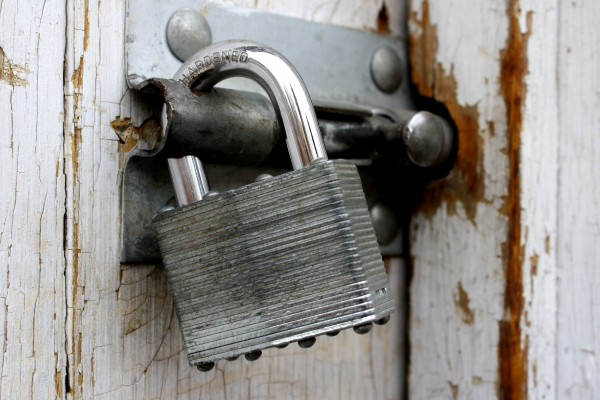 Padlock on Old Shed Door - Free High Resolution Photo