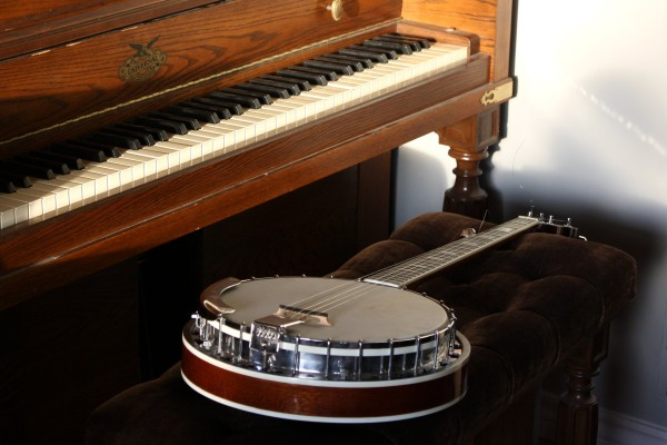Piano and Banjo - Free High Resolution Photo