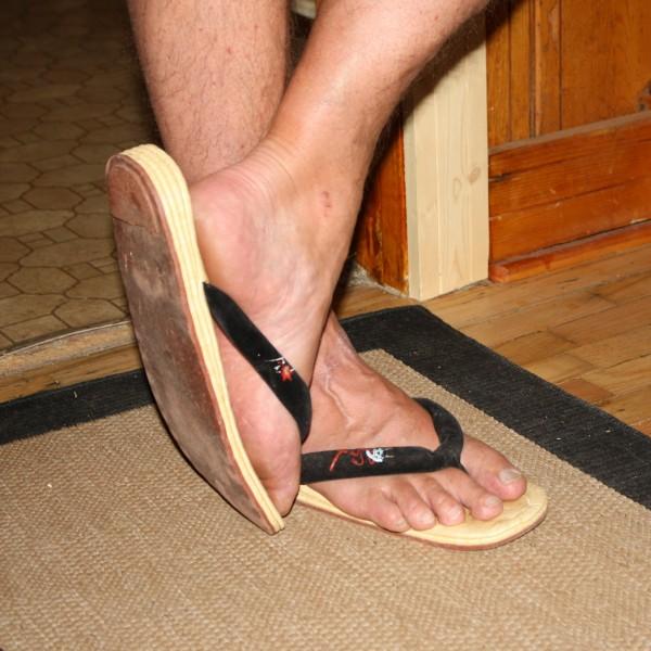 Man's Feet Wearing Thongs - Free High Resolution Photo