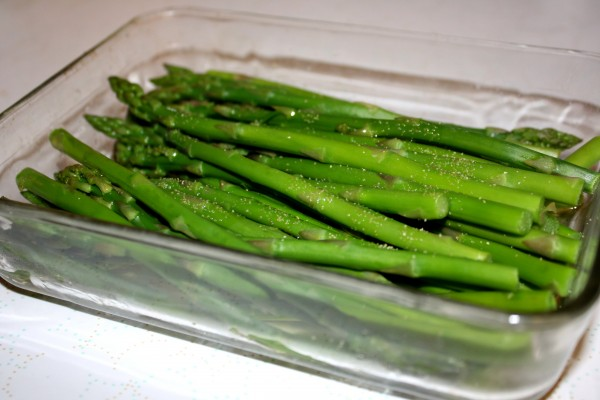 Asparagus Spears in Glass Baking Dish - Free High Resolution Photo