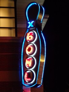 Bowling Pin Neon Sign - Free High Resolution Photo